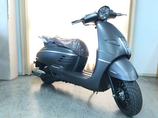DJANGO 125 人気ドラマに登場したスクーターと同じカラーの特別仕様の限定車!