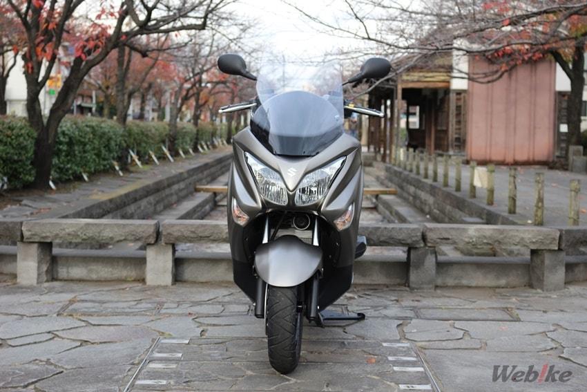 【スズキ バーグマン200 試乗インプレ】ヘルメットが2個も入る収納スペースを持つ快適マシン!