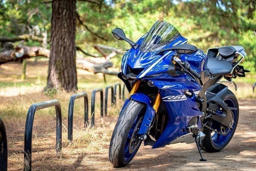 "【YZF-R6 レビュー】官能的を極めたバイク、YZF-R6 ""ウェビックユーザーの「愛車を語ろう!」"""